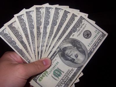 Moneyhands_small